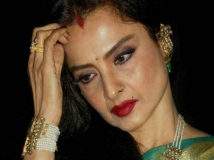 http://hindi.filmibeat.com/img/2020/07/rekha1-1594467415.jpg