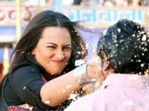 http://hindi.filmibeat.com/img/2020/08/6-1597908636.jpg