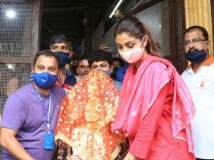 http://hindi.filmibeat.com/img/2020/08/ganeshchaturthibollywood2-1597993957.jpg