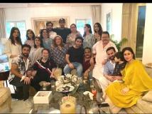 http://hindi.filmibeat.com/img/2020/08/kapoor-1596457142.jpg