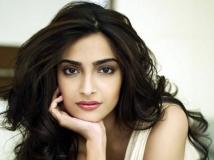 http://hindi.filmibeat.com/img/2020/09/13-1421129244-sonam-kapoor-b-280613-1600849140.jpg
