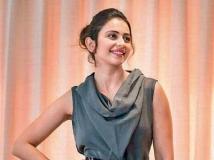 http://hindi.filmibeat.com/img/2020/09/rakul3-1601286663.jpg