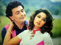http://hindi.filmibeat.com/img/2020/10/madhuri3-1603260129.jpg