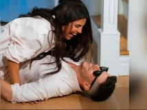 http://hindi.filmibeat.com/img/2020/10/omlo-1603437164.jpg