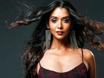 https://hindi.filmibeat.com/img/2020/11/anupriyagoenka3-1605164068.jpg