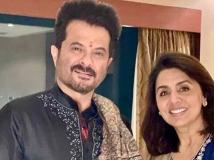 http://hindi.filmibeat.com/img/2020/11/neetukapoorstartshootingafterrishikapoordeath3-1605517739.jpg