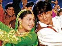 http://hindi.filmibeat.com/img/2020/11/shahrukhkhankajoldilwaledulhanialejayenge-1604649464.jpg