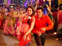 http://hindi.filmibeat.com/img/2020/12/shabana-salman-katrina-1608657748.jpg