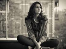 https://hindi.filmibeat.com/img/2020/12/sonamkapoornextfilmcrimethrillerblind1-1609138634.jpg