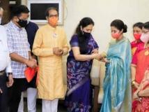 http://hindi.filmibeat.com/img/2020/12/urmila-matondkar-joins-shiv-sena-takes-a-dig-at-kangana-1606841777.jpg