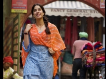 https://hindi.filmibeat.com/img/2021/01/janhvikapoorfirstlookfromaanandlraisgoodluckjerrymovie-1610354797.jpg