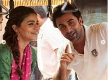 https://hindi.filmibeat.com/img/2021/02/540-1614427058.jpg