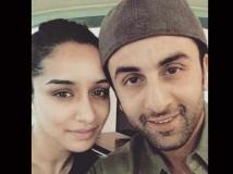 https://hindi.filmibeat.com/img/2021/02/ranbir-shraddha-1613115019.jpg