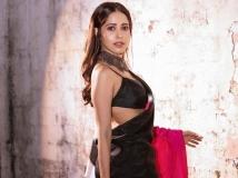 https://hindi.filmibeat.com/img/2021/05/capture144-1620371079.jpg