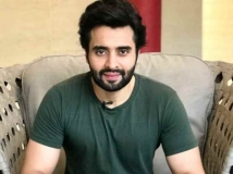 https://hindi.filmibeat.com/img/2021/05/jacccky-1622480661.jpeg