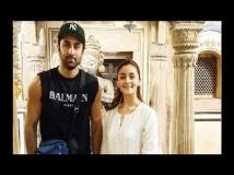 https://hindi.filmibeat.com/img/2021/05/ranalia-1621572648.jpg