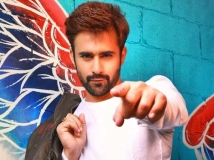 https://hindi.filmibeat.com/img/2021/06/pearl-v-puri-1622866040.jpg