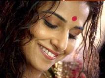 https://hindi.filmibeat.com/img/2021/06/vidya-balan-first-salary-1623950289.jpeg