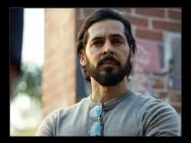 https://hindi.filmibeat.com/img/2021/07/dino-morea-1625283613.jpg