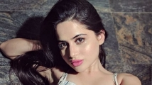 https://hindi.filmibeat.com/img/2021/09/urfi5-1631260161.jpg
