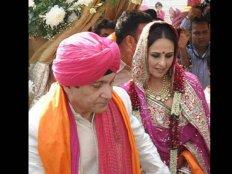 अक्षय कुमार की बहन को 15 साल बड़े बिल्डर से हुआ प्यार..अक्षय को पता चला तो.....!
