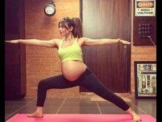 योगा करते हुए इस एक्ट्रेस ने फ्लॉन्ट किया बेबी बंप..तस्वीर देखते रह जाएंगे आप