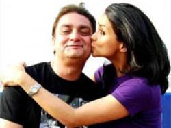 Vinay Kiss Gul Straight