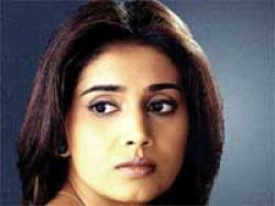 Actress Sonali Kulkarni Turns Author