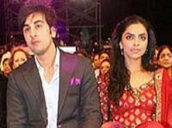 Ranbir Kapoor Visits Deepika Padukone House Night