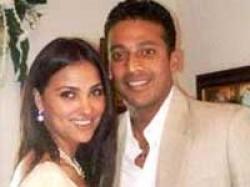 Lara Dutta Weds Mahesh Bhupathi Aid