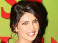 Priyanka Chopras Agneepath Shoot Barfee Aid