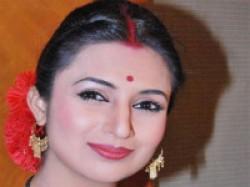 Actress Divyanka Tripathi Not Ready Play Sister Tv Aid