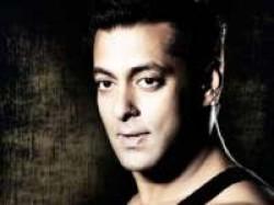 Salman Khan Be Painted Space Ankita Joshi Aid
