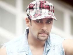 Salman Khan Exchanged Conversations Fans Aid