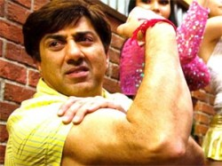 Sunny Deol Supports Anna Hazare Aid