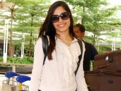 Freida Pinto Slumdog Millionaire Heart Mumbai Aid