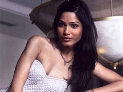 Freida Pinto Dev Patel Discuss For Work Aid