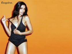 Freida Pinto Slumdog Millionaire Bold Photoshoot Mens M Aid