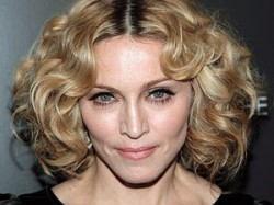 Madonna Pop Singer Threw Cake Managers Face Aid