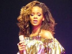 Battleship Rihanna Pop Singer Sidney Aid