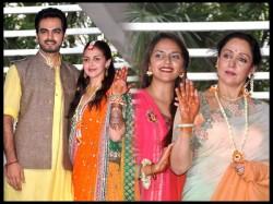 Dharmendra Was In Esha Deol Marriage