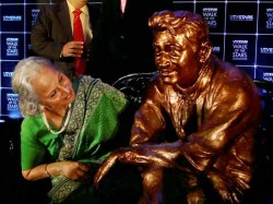 Statue Of Dev Anand Unveiled In Mumbai