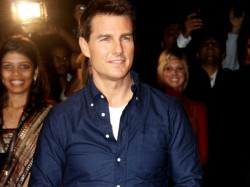 Tom Cruise Celebrate Christmas With Children