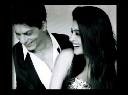 Rohit Shetty Starcast Has Shahrukh Khan Kajol And Their On Screen Fathers