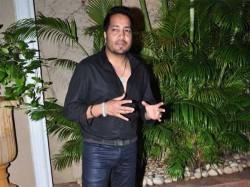 List Celebrities Detained Customs Department Mika Singh