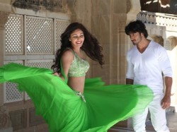 Pooja Chopra Talks About Commando Movie