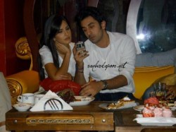 Ranbir Katrina Spotted Relaxing Together Airport Why