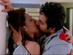 Ayushman Wife Angry On Nautanki Saala Kissing Scene