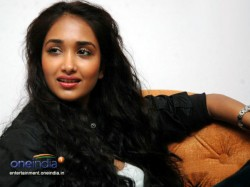 Shocked By Jiah Khan Death Boy Commits Suicide