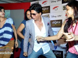 Shahrukh Khan Launched Chennai Express Mobile Game